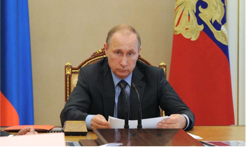 Путин запретил поставлять в Россию продукты из Европы и США до 2018 года