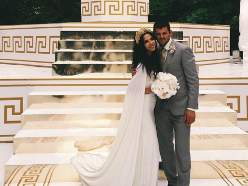 Хоккеист Радулов и гимнастка Дмитриева сыграли роскошную свадьбу в Подмосковье