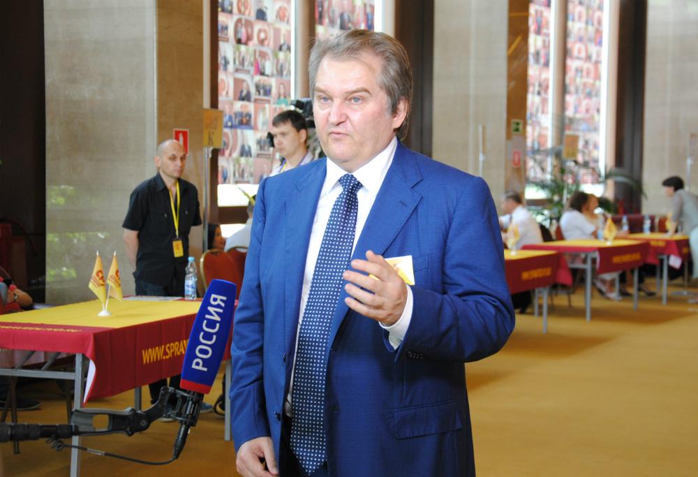 Михаил Емельянов