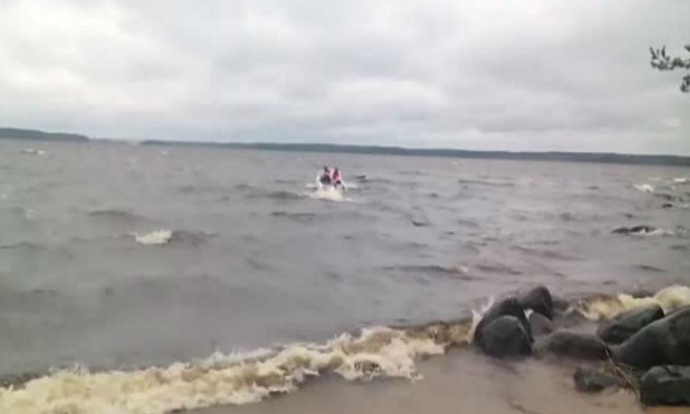 МЧС объявило о завершении поисково-спасательных работ на озере в Карелии