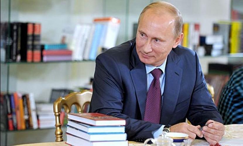 Путин: РФ нужна превосходная, ноне военная литература