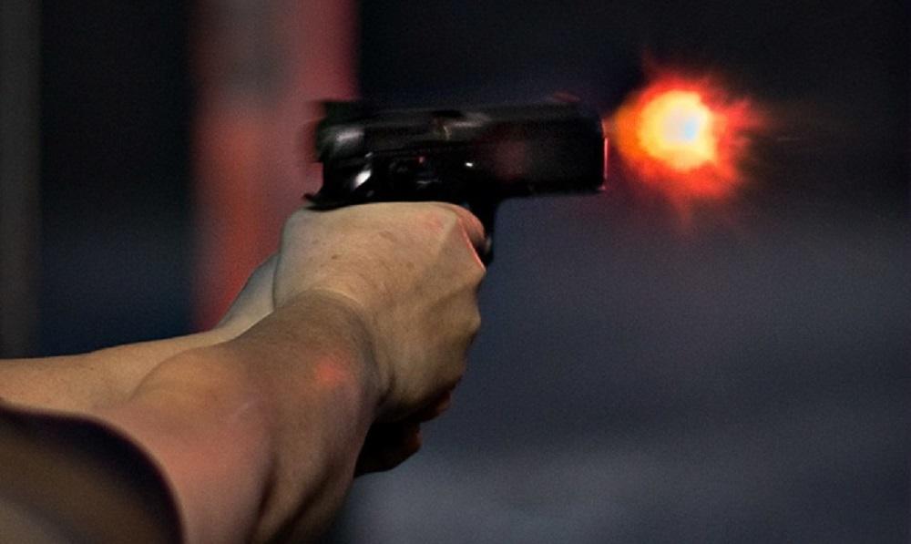 В массовой драке со стрельбой у воронежского гипермаркета пострадали три человека