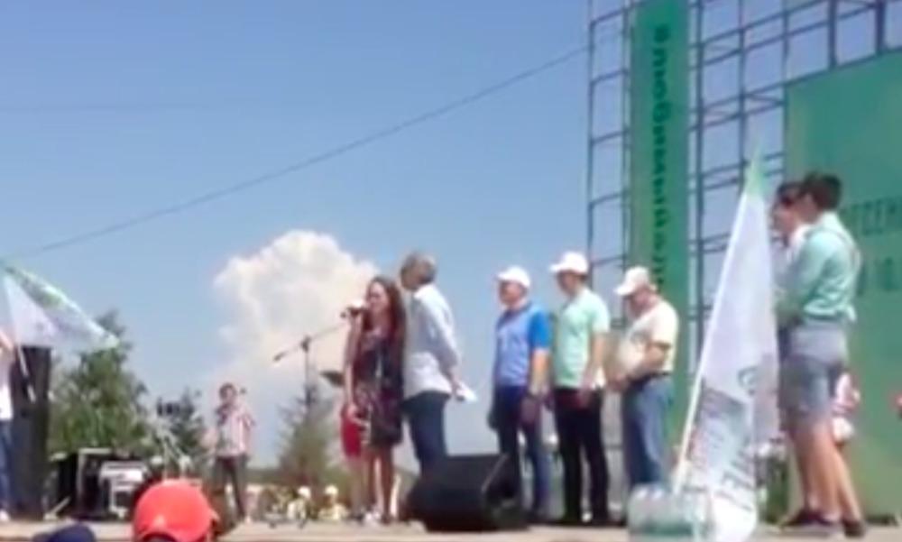 18-летняя переводчица неожиданно рассказала жителям Альметьевска, кто кого имеет в городе