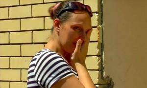 Приставы довели до истерики беременную женщину во время сноса ее дома в Волгограде