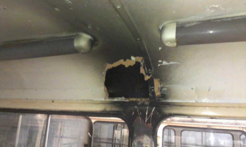 В военном Донецке молния прожгла трамвай с пассажирами