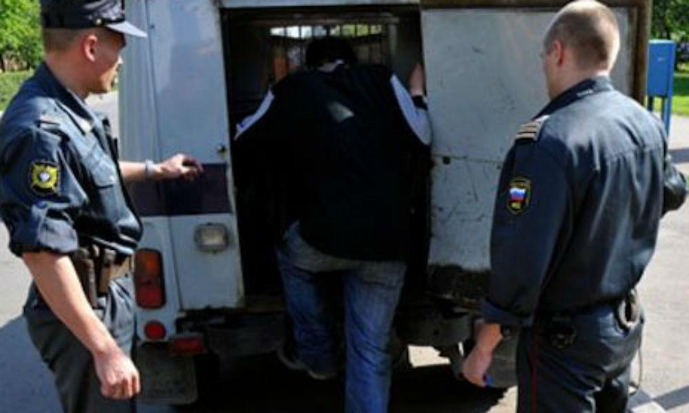 Трое полицейских получили травмы головы во время драки с автоугонщиками под Ростовом