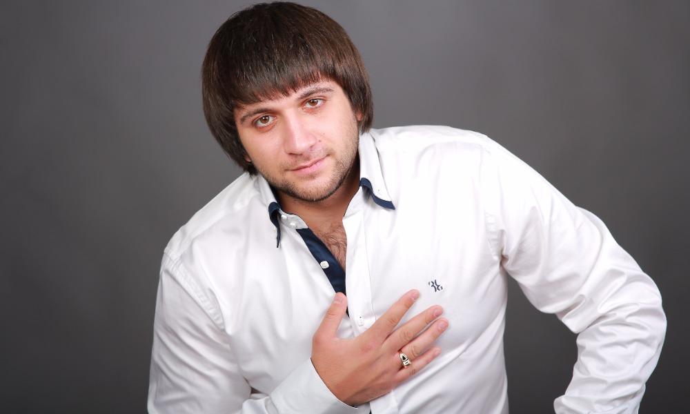 Виновник смертельной аварии певец Эльбрус Джанмирзоев избежал уголовной ответственности