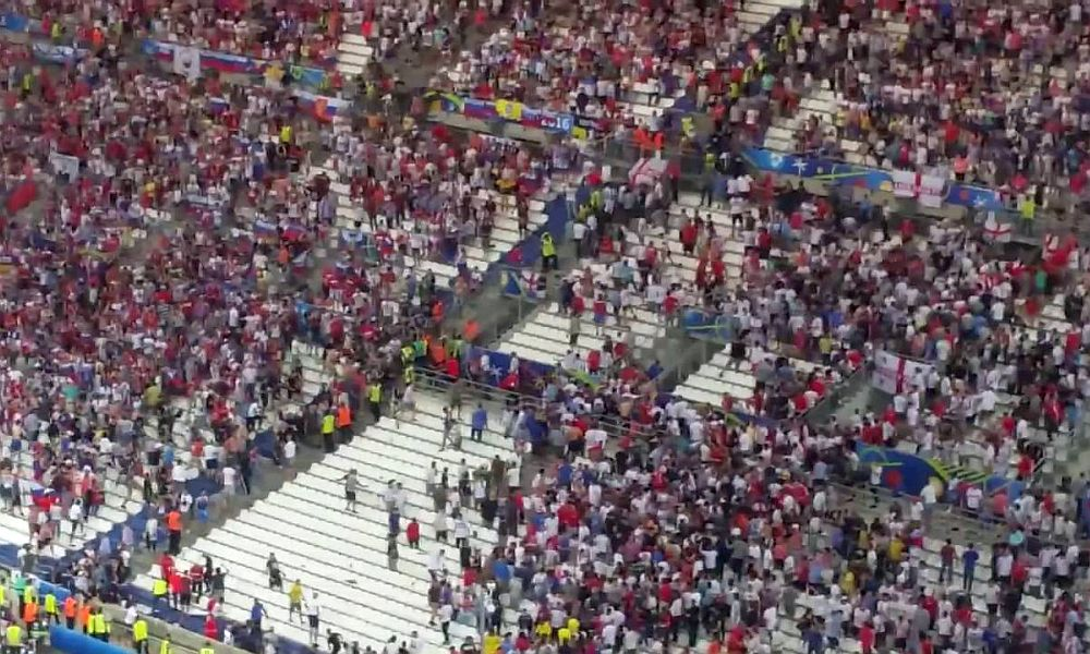 УЕФА пригрозил российскому футболу санкциями из-за массовых беспорядков в Марселе