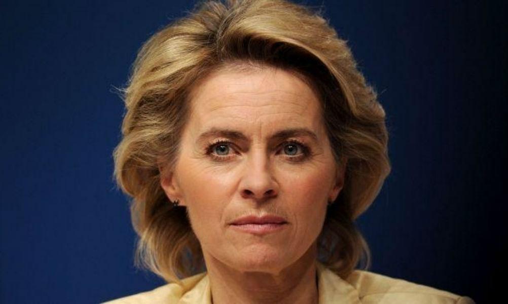 Министр обороны ФРГ предложила России отчитываться о передвижениях и численности своих войск