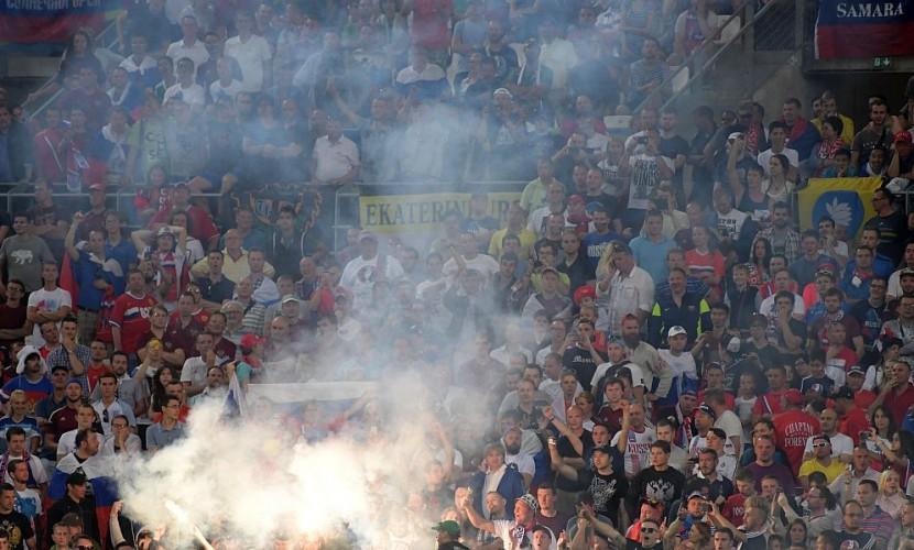 35 человек получили травмы в столкновениях между фанатами из России и Англии в Марселе