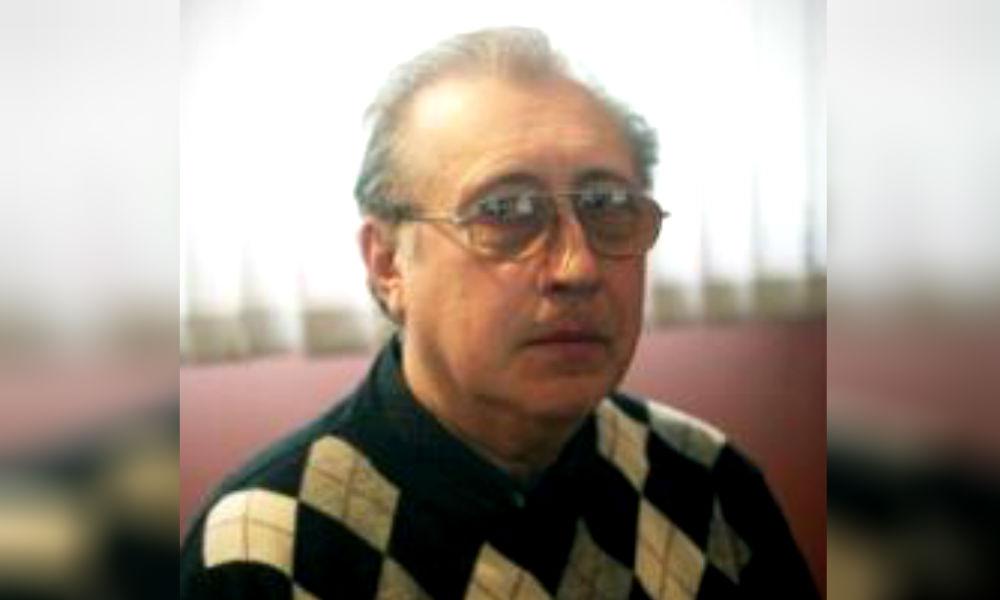 Заслуженный артист России умер в ожидании скорой помощи на московской улице