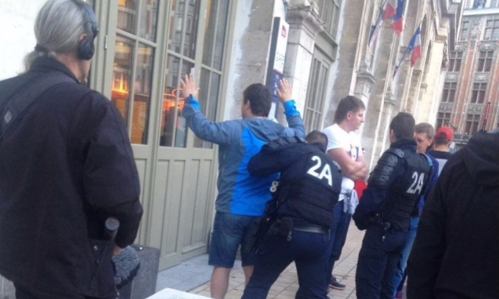 Полицейские Лилля заключили под стражу четверых футбольных фанатов из России и Украины