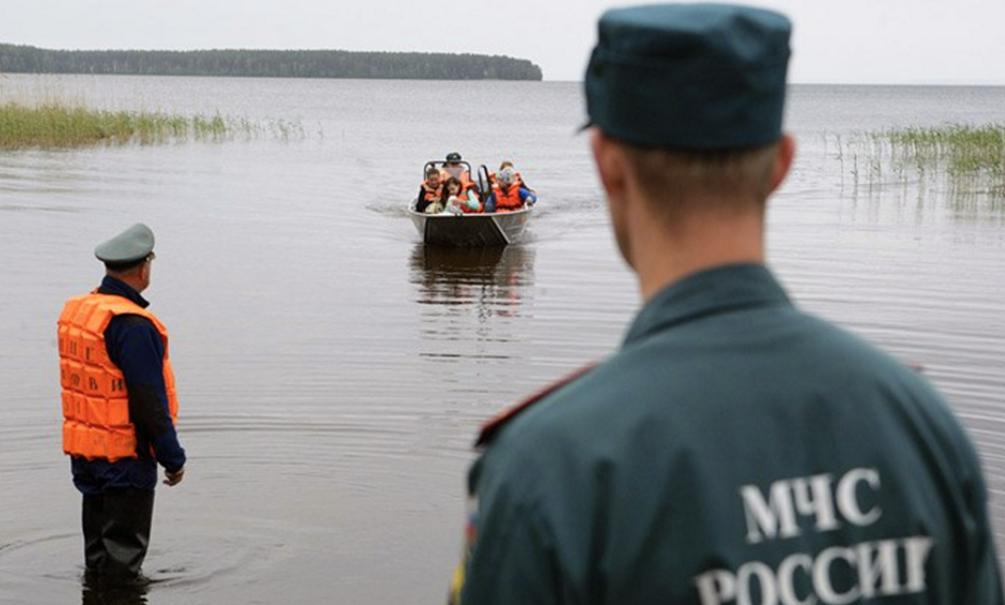 Утонувший в Карелии мальчик перед смертью звонил в МЧС, где его отругали
