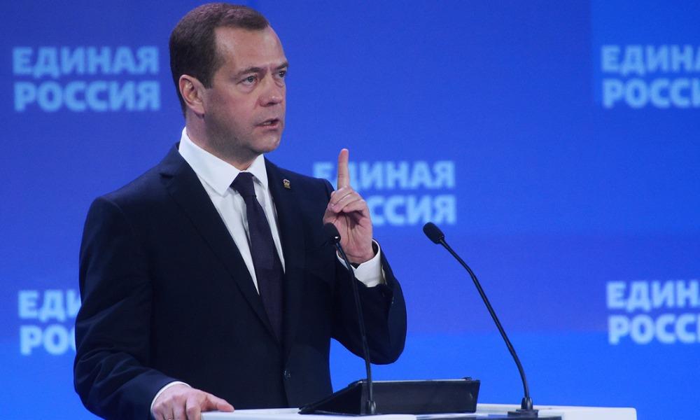 Премьер-министр Медведев заявил о планах полноценной индексации пенсий в следующем году