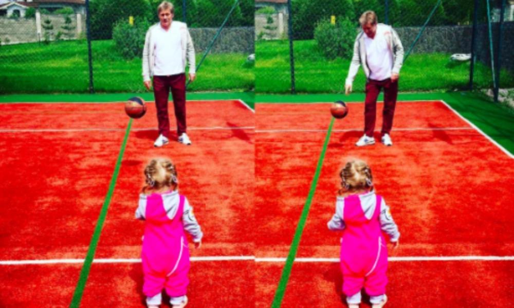Игра в мяч Дмитрия Пескова с дочкой Надей умилила пользователей Instagram