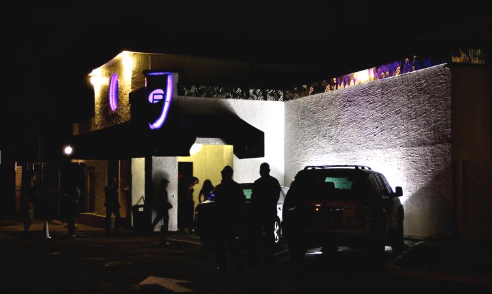 Захват заложников вооруженным террористом в гей-клубе в Орландо попал на видео