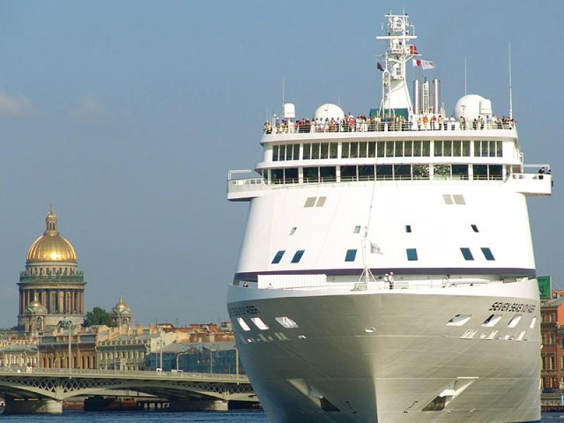 Рекорд по круизам спрогнозировали Санкт-Петербургу из-за обвала рубля