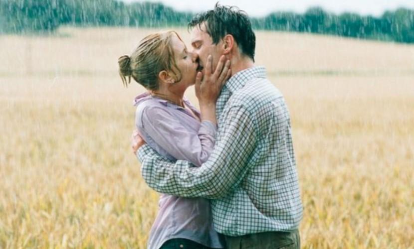 Поцелуи повышают иммунитет и избавляют от морщин, - французские ученые