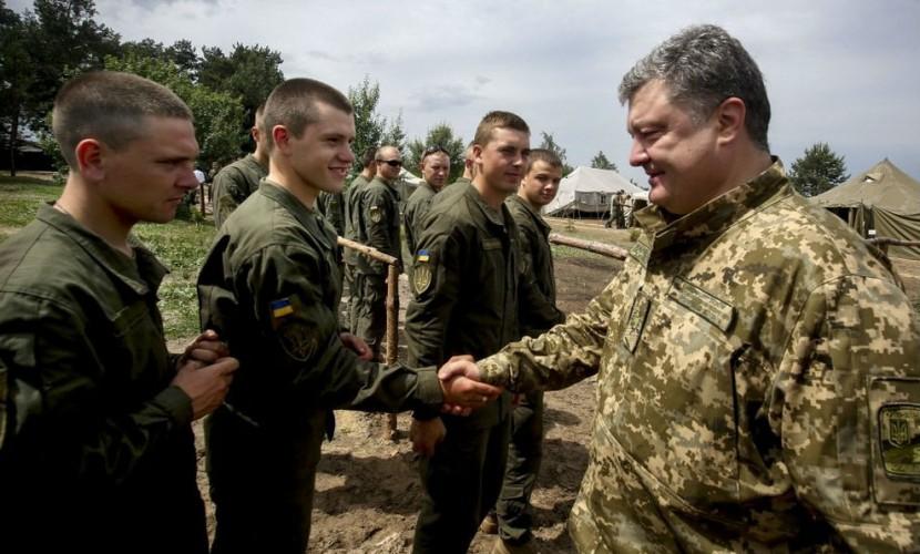 Порошенко пообещал бросить Нацгвардию Украины в Донбасс на «обкатку боем»