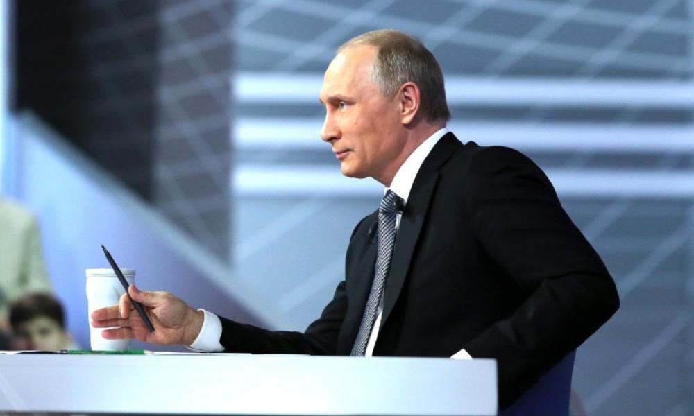 Путин законом приравнял социологов к наблюдателям за выборами