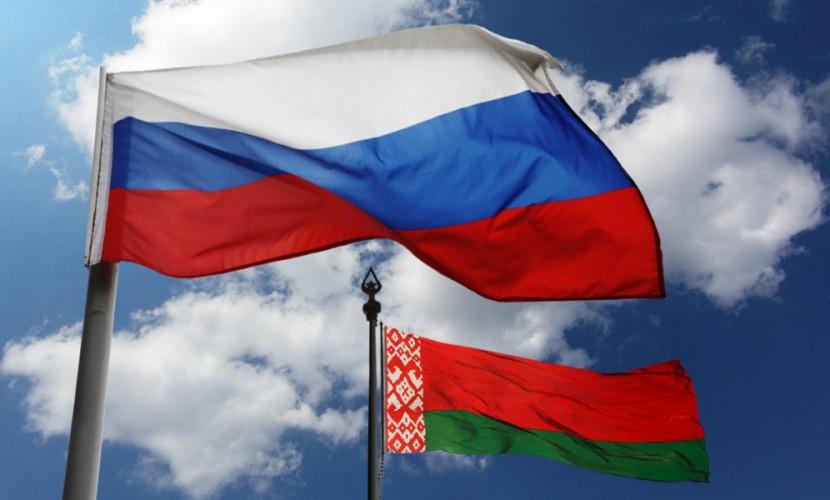 Жители страны назвали главных друзей и врагов России