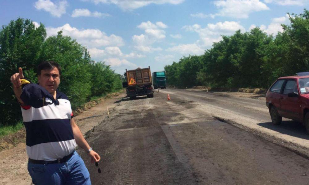 Саакашвили решил переехать на одесскую трассу со следующей недели