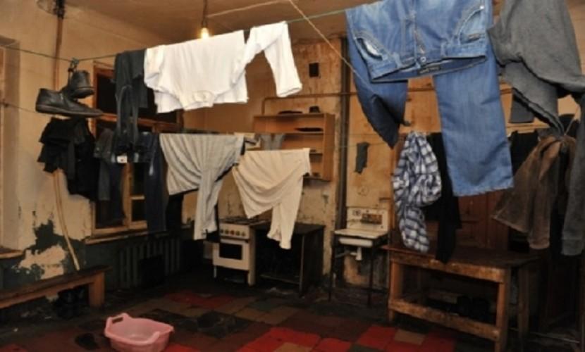 Братья-сироты по возвращении из детдома обнаружили в положенной им волгоградской квартире 20 мигрантов