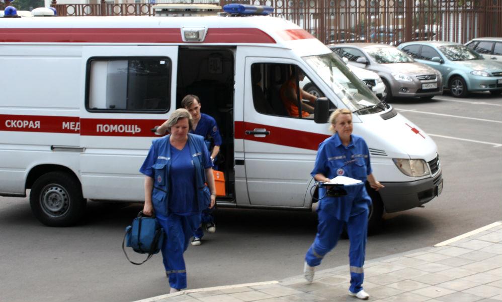 Врача и санитара скорой помощи в Иркутске жестоко избили бандиты на внедорожниках