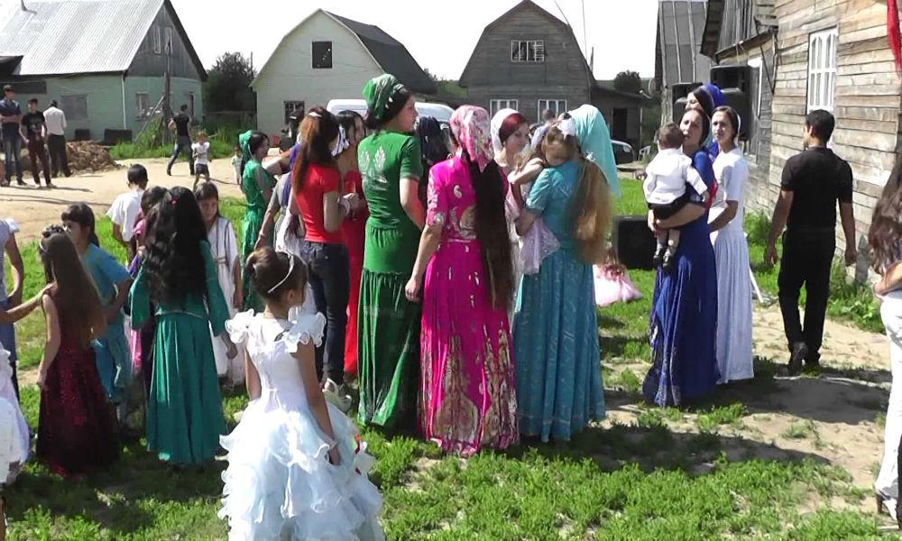 Пропавшую 12-летнюю девочку из Тулы забрали в цыганский табор в роли невесты