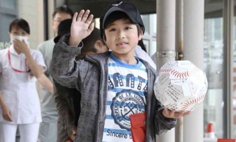 Брошенный родителями за плохое поведение в лесу японский мальчик простил своего отца