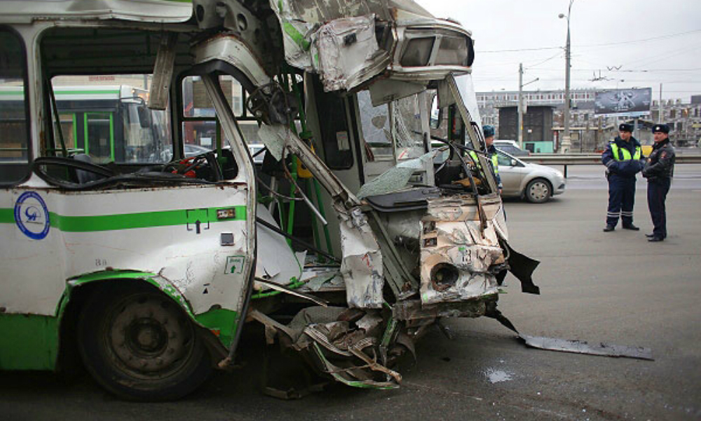 Пять человек погибли в ДТП с участием грузовика и автобуса под Тулой