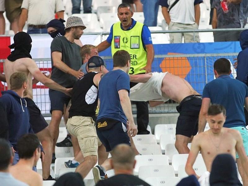УЕФА назвал России и Англии вариант отлучения их сборных от игры на Евро-2016