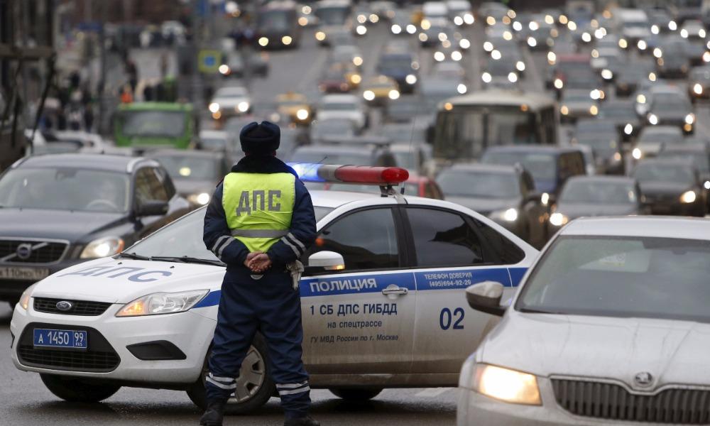 В России обрели законную силу поправки в Правила дорожного движения об опасном вождении