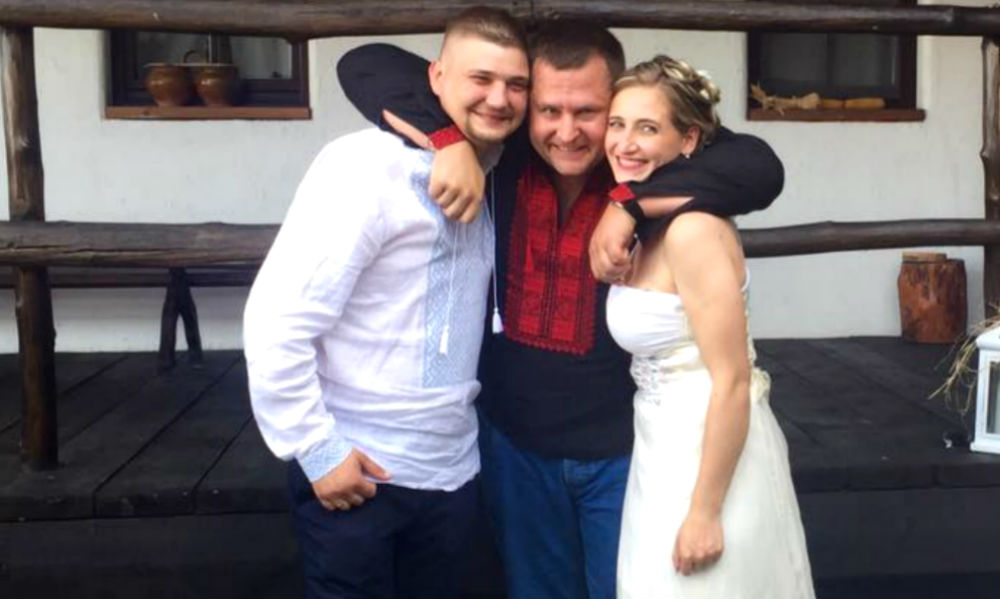 Дочь Яроша вышла замуж за военного на даче мэра: «папа не нажил денег на кафе»