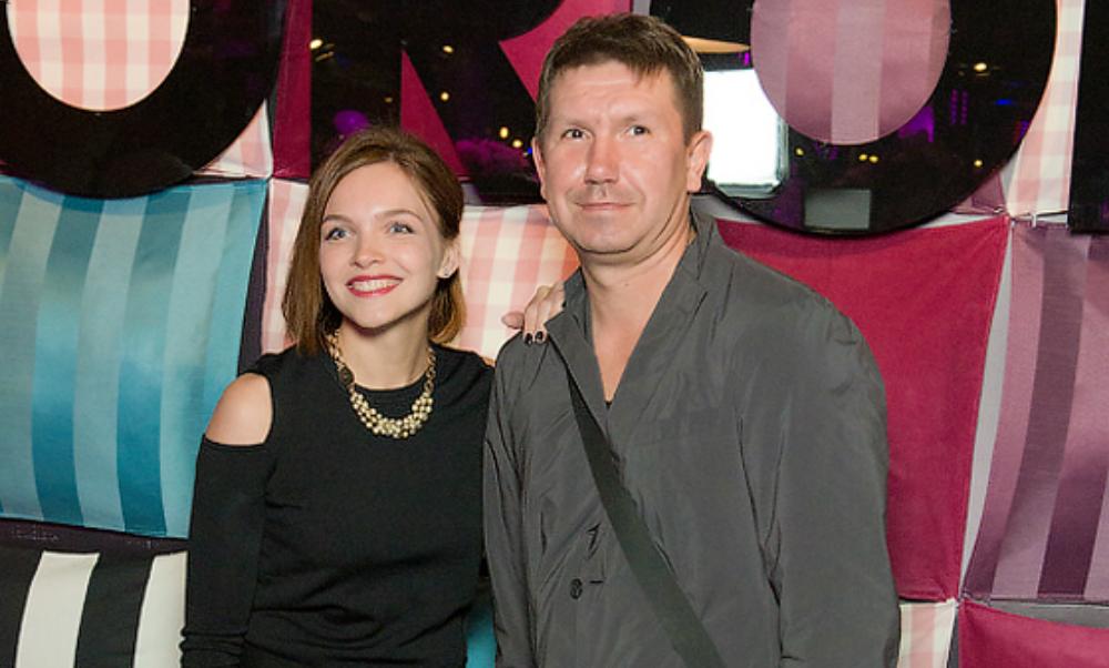 Музыкант группы Uma2rmaH Владимир Кристовский тайно женился на звезде сериала «Восьмидесятые»