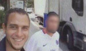 Сделавшего селфи на фоне «грузовика смерти» в Ницце мужчину задержала полиция