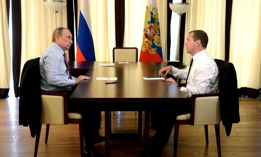 Путин и Медведев встретились наедине для обсуждения судьбы рубля