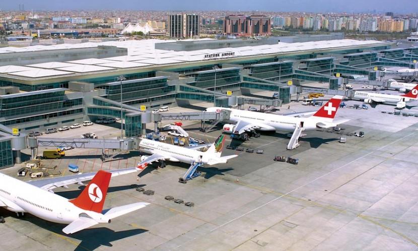 Российским авиаперевозчикам закрыли путь в Турцию из-за взрывоопасной ситуации