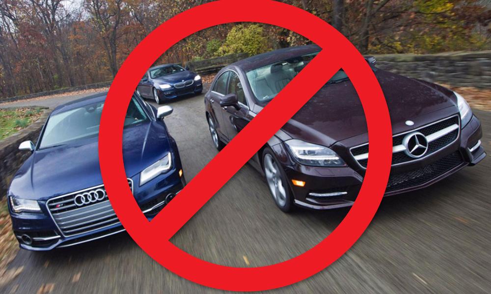 В Министерстве финансов предложили запретить чиновникам езду на мощных автомобилях