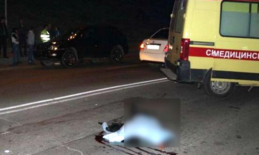 Девушка погибла под колесами двух автомобилей на переходе в Волгограде