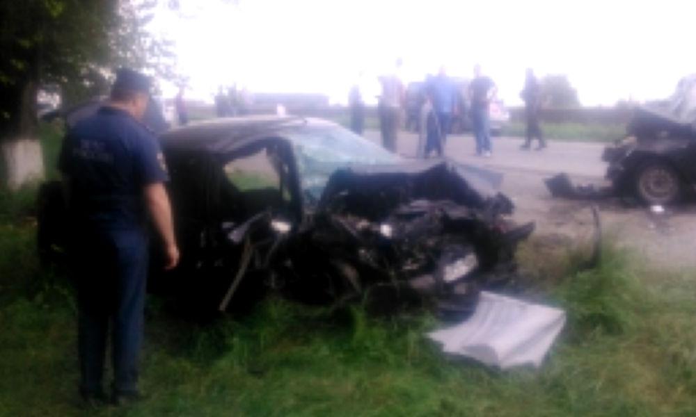 Две женщины и четверо мужчин погибли при столкновении двух автомобилей в Ингушетии
