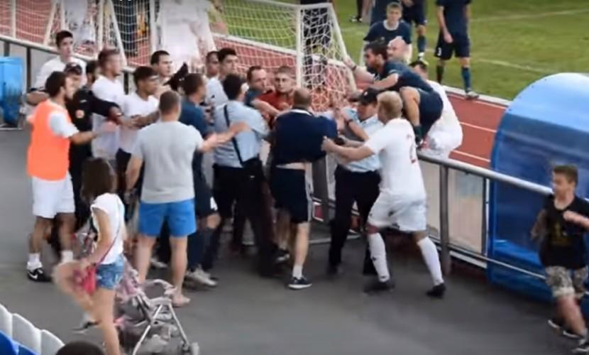 Матч между футбольными командами Ростовской области закончился массовым побоищем на стадионе