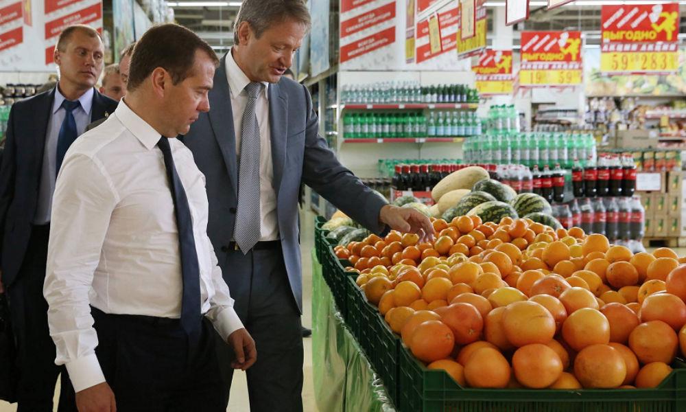 Правительство сделало продуктовую помощь малоимущим россиянам своей стратегией