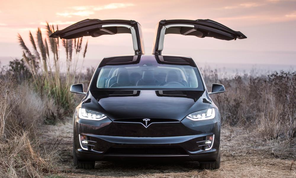 Водитель суперавтомобиля Tesla погиб при езде в режиме автопилота