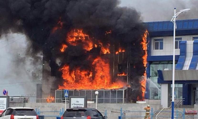 Пожар в аэропорту столицы Амурской области Благовещенске попал на видео