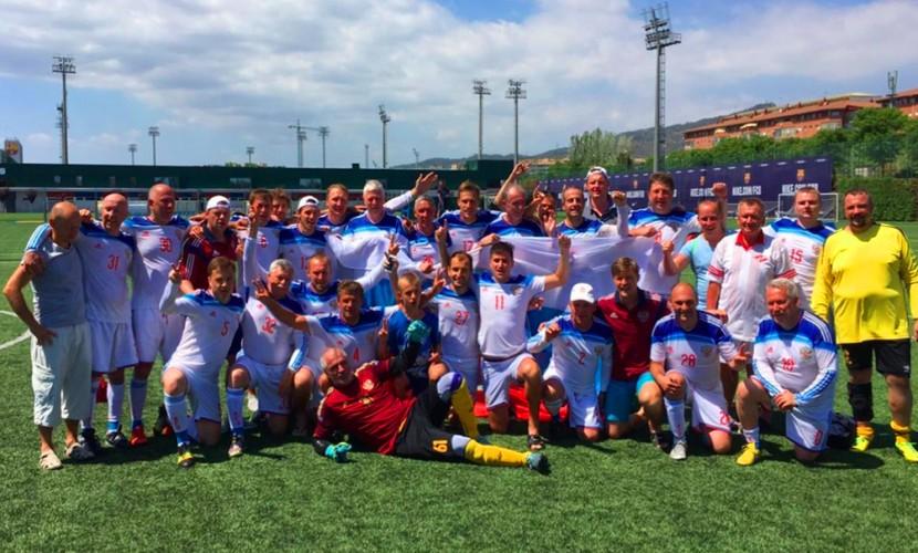 Сборная русских медработников выиграла чемпионат мира пофутболу вБарселоне
