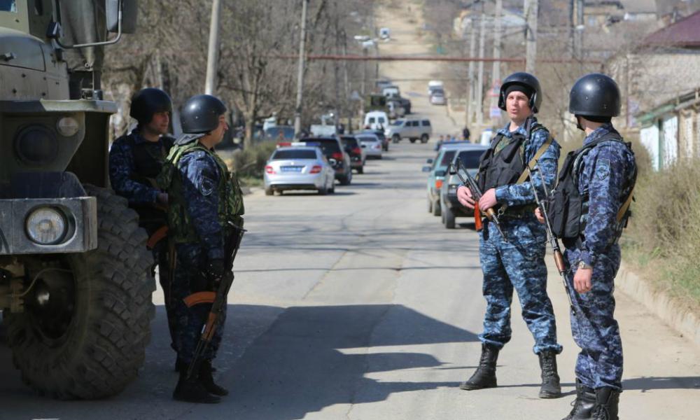 Директор сельской школы и сотрудник полиции стали жертвами преступников в Дагестане