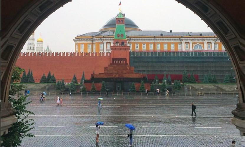 Погодный апокалипсис: Москву залил дождь, надвигается шторм