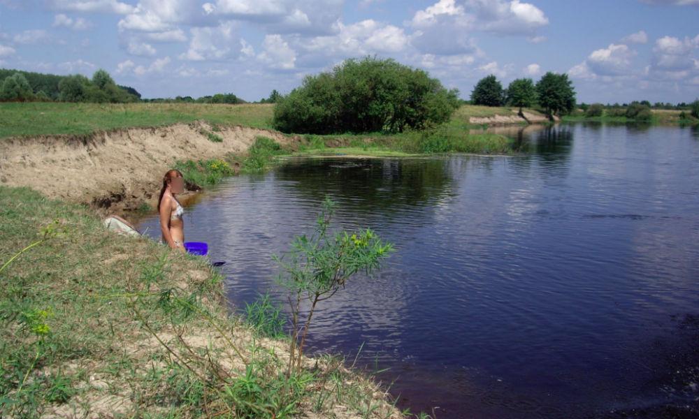 голая девушка утонула