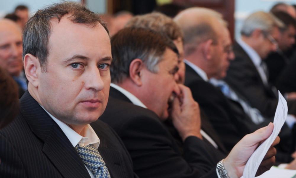 Единоросса-мэра Копейска задержали сотрудники ФСБ по подозрению в крупной взятке